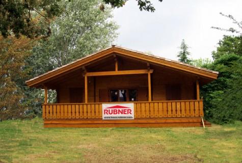 Rubner una casa in legno a san felice sul panaro tekneco for Case prefabbricate rubner