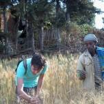 ricercatore_della_sant_anna_e_contadino_etiope_durante_sopralluogo